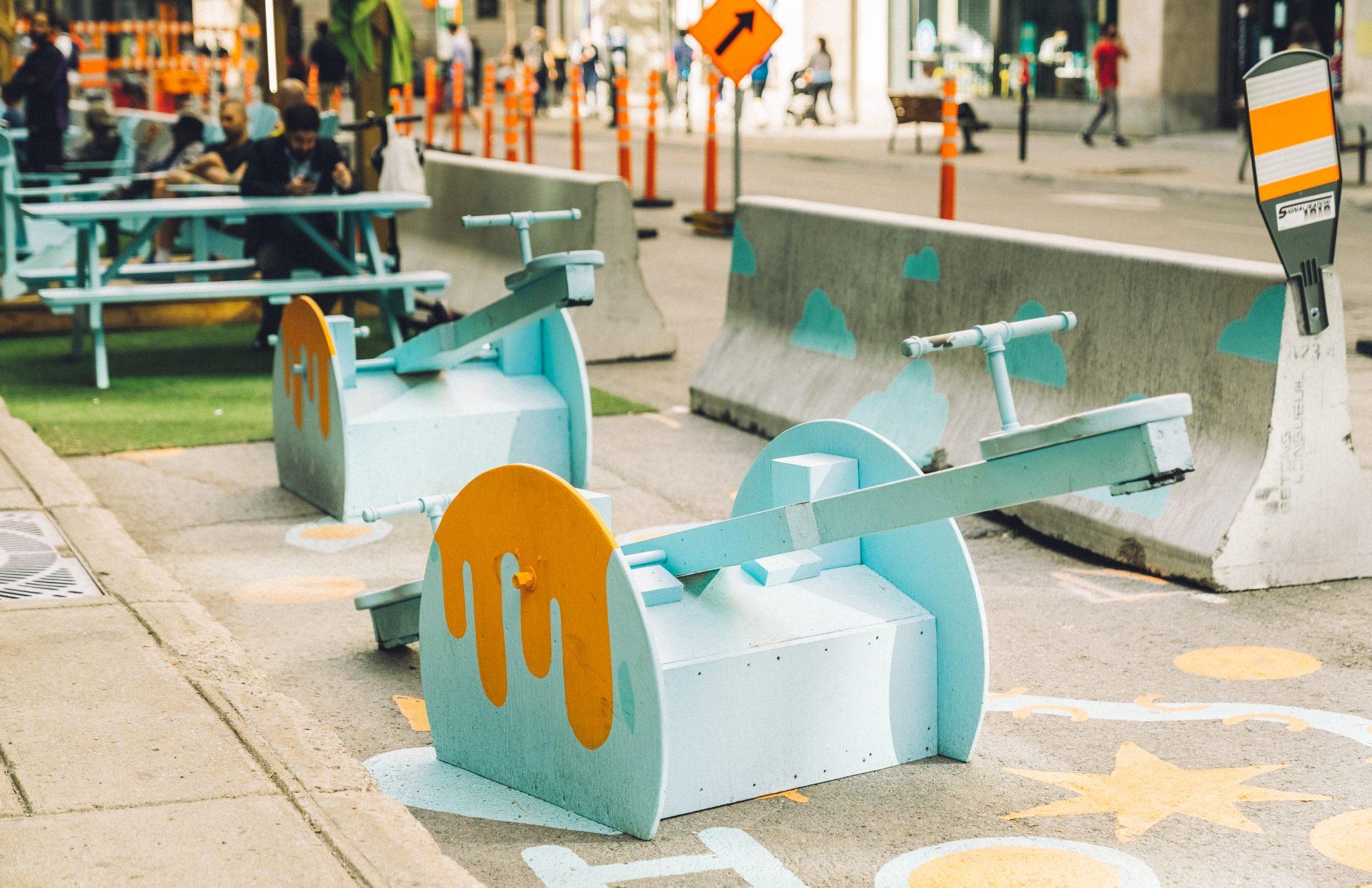 9 artistes québécois ont pris le centre-ville d'assaut et le résultat est surprenant!